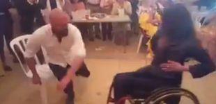Post de Soraya, la mujer en silla de ruedas que baila unas sevillanas en la Feria de Abril