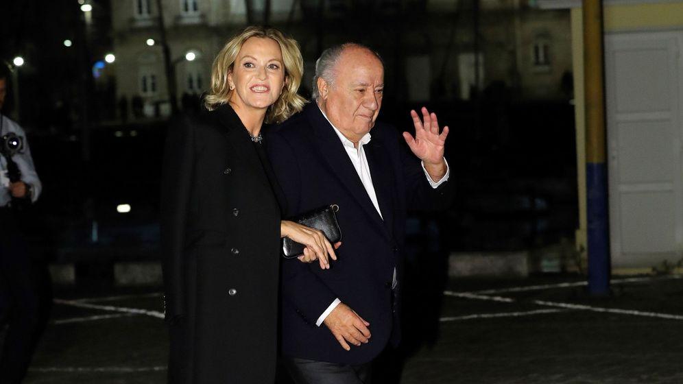 Foto:  Amancio Ortega a su llegada al Real Club Náutico de A Coruña, donde se celebró el cóctel de la boda de Marta Ortega y Carlos Torretta. (EFE)