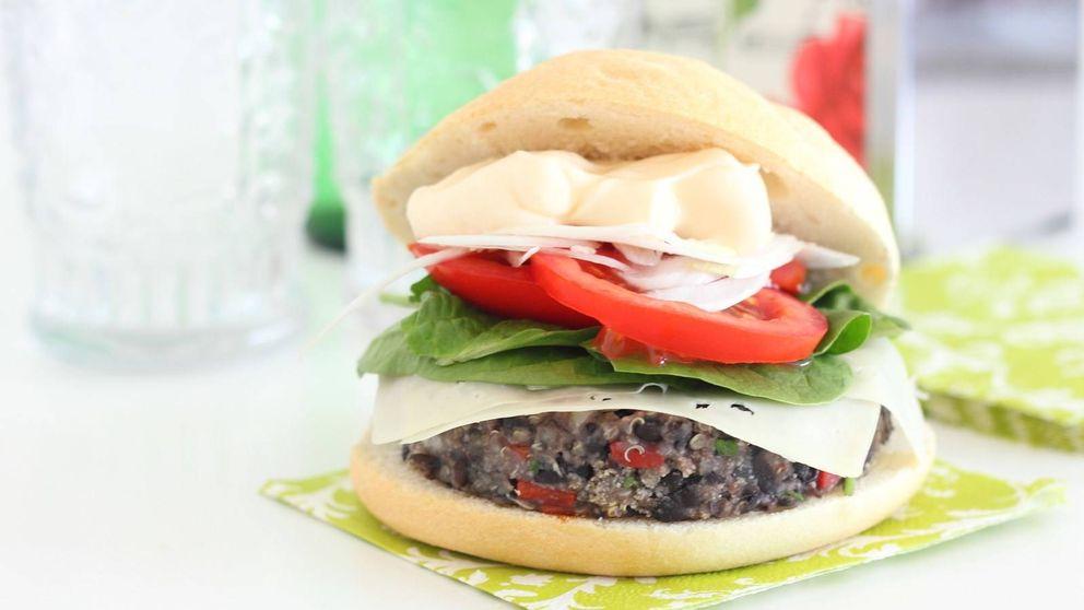 Hamburguesa vegetariana de quinoa y alubias: la innovación entre panes