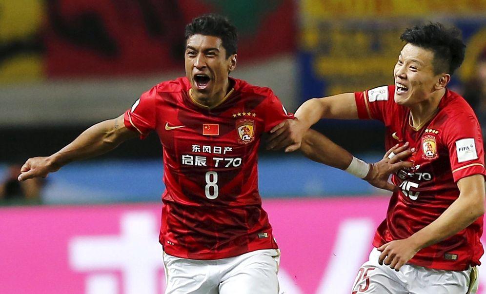 Foto: Paulinho celebra un gol marcado con el Guangzhou Evergrande. (Reuters)