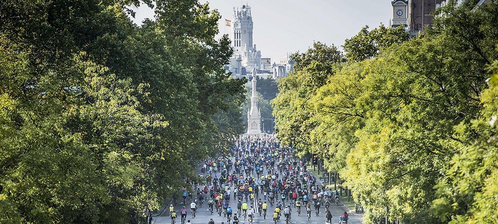 Foto: Ciudades como Madrid acogen cada día a más aficionados al ciclismo (EFE)