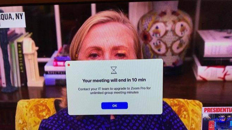 Hillary Clinton, usando Zoom. (Redes sociales)