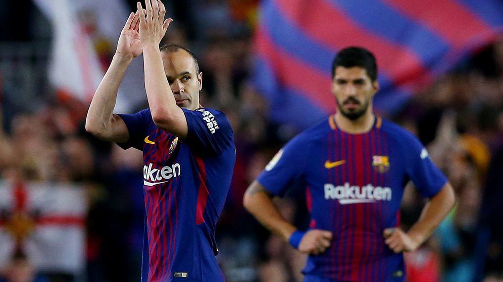 Foto: Iniesta jugó este domingo su último FC Barcelona-Real Madrid. (Reuters)