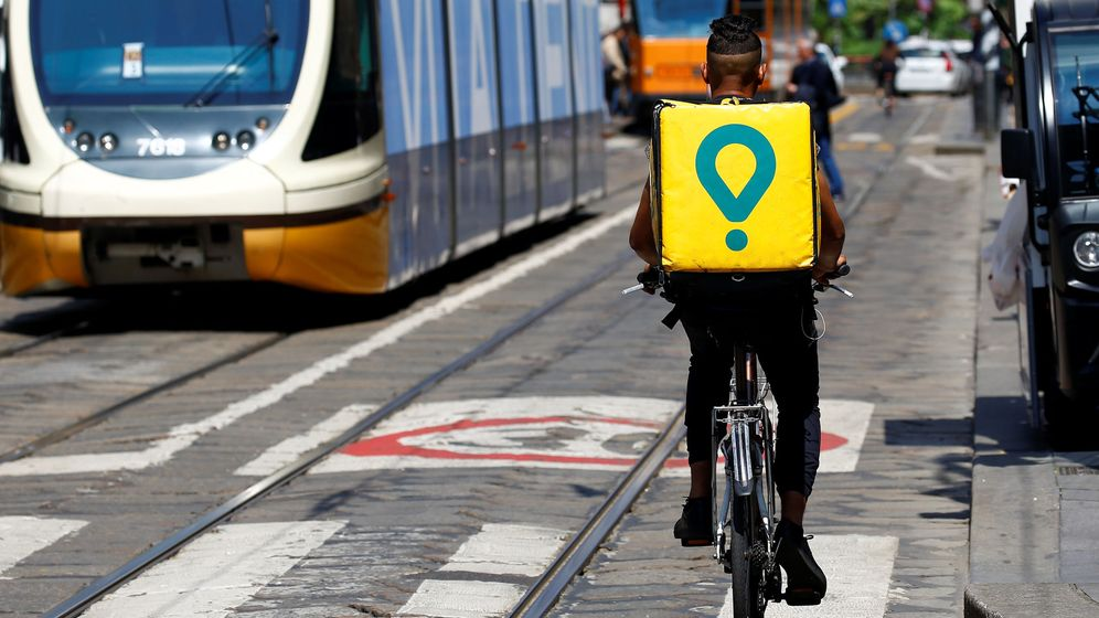 Foto: Un 'rider' de Glovo. (Reuters)