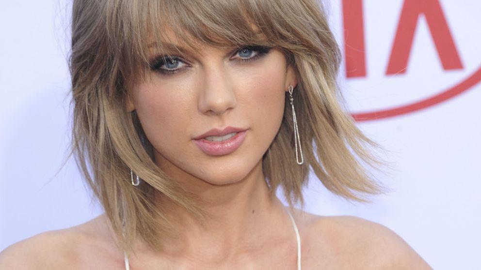 Taylor Swift, Jennifer López, Rita Ora... Las 'celebrities' apuestan por el destape en los Billboard