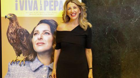 Yolanda Díaz, una vicepresidenta de photocall: su look para posar entre famosos