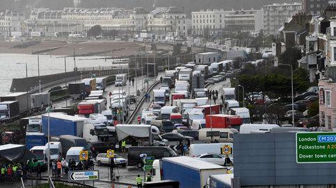 Miles de camiones ya cruzan a Europa, pero los españoles temen no volver hasta el 31
