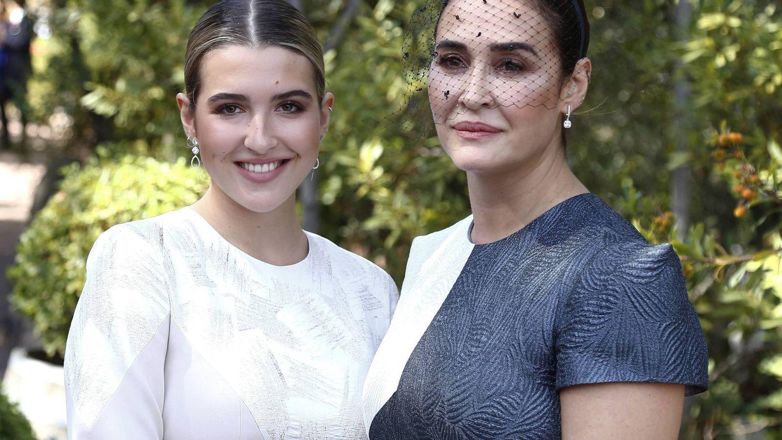 Foto: Alba Díaz y su madre, Vicky Martín Berrocal, son prescriptoras de estilo elegantísimas. (Cordon Press)