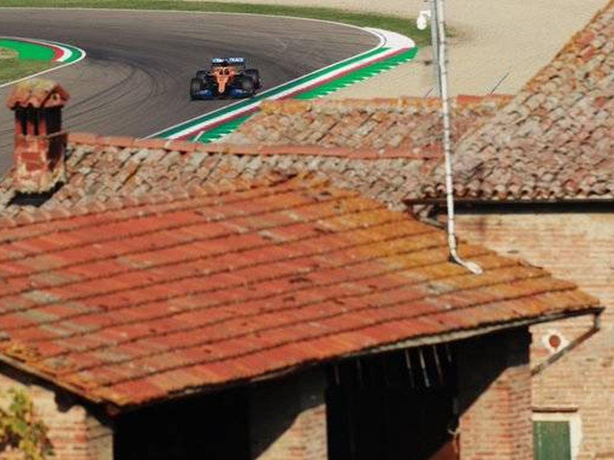 Foto: Los dos McLaren terminaron muy lejos de sus rivales en tiempos, a pesar de entrar en el Q3 (McLaren)