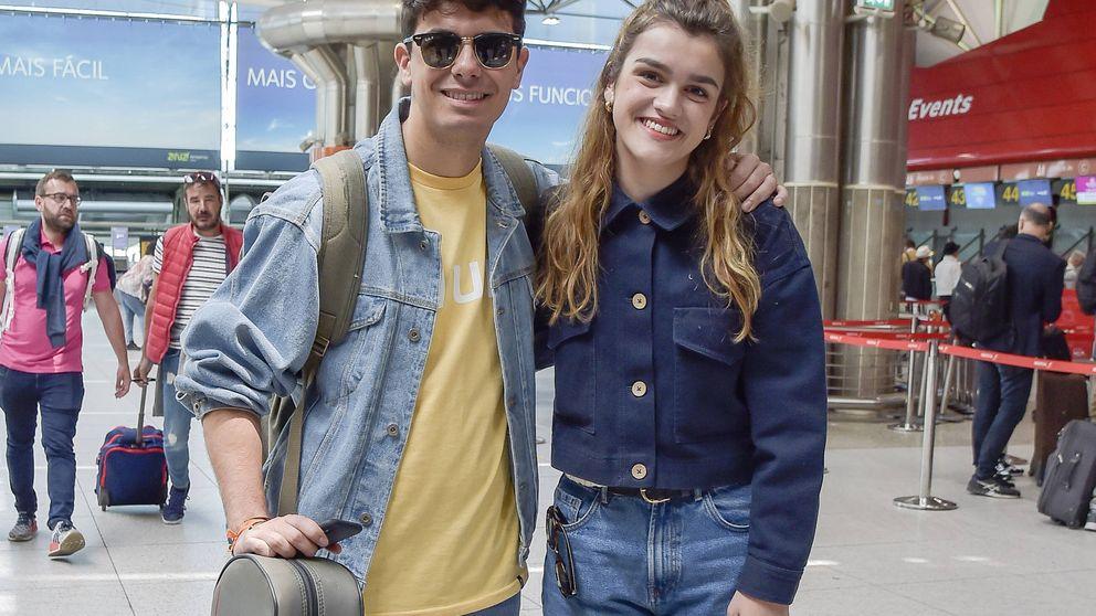 Alfred y Amaia intentan sonreír a su vuelta a España: las fotos de su decepción