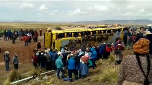 Al menos 20 muertos y 39 heridos en un brutal accidente de autobús en Perú