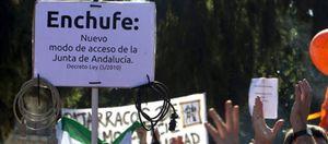 """Foto: Miles de funcionarios se rebelan contra el """"enchufismo"""" laboral en la Junta"""