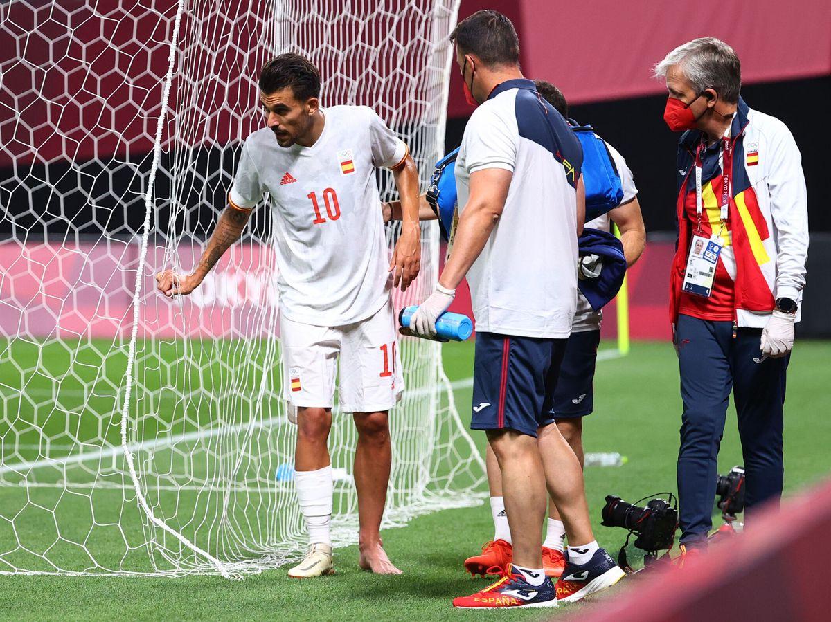 Foto: Dani Ceballos recibe atención médica. (Reuters)