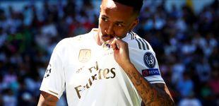 Post de Los galones de Militao en el Real Madrid (y su mareo en la presentación)