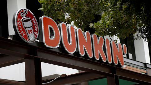 Despedido de un Dunkin' Donuts por vaciar una jarra de agua sobre un sin techo