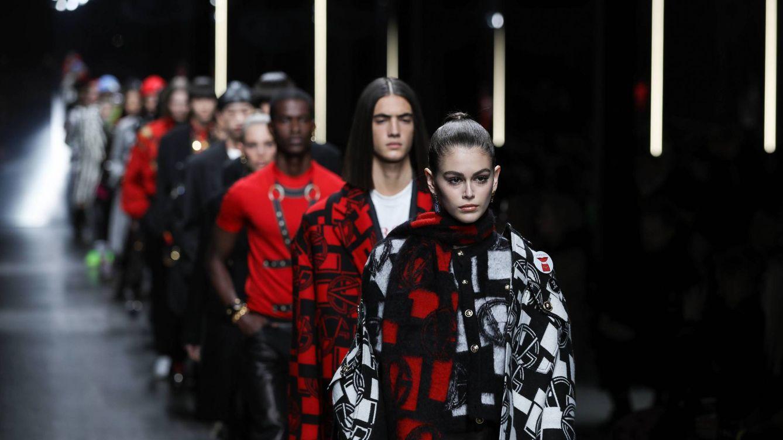 Versace pone en práctica en Milán su estrategia de autoafirmación