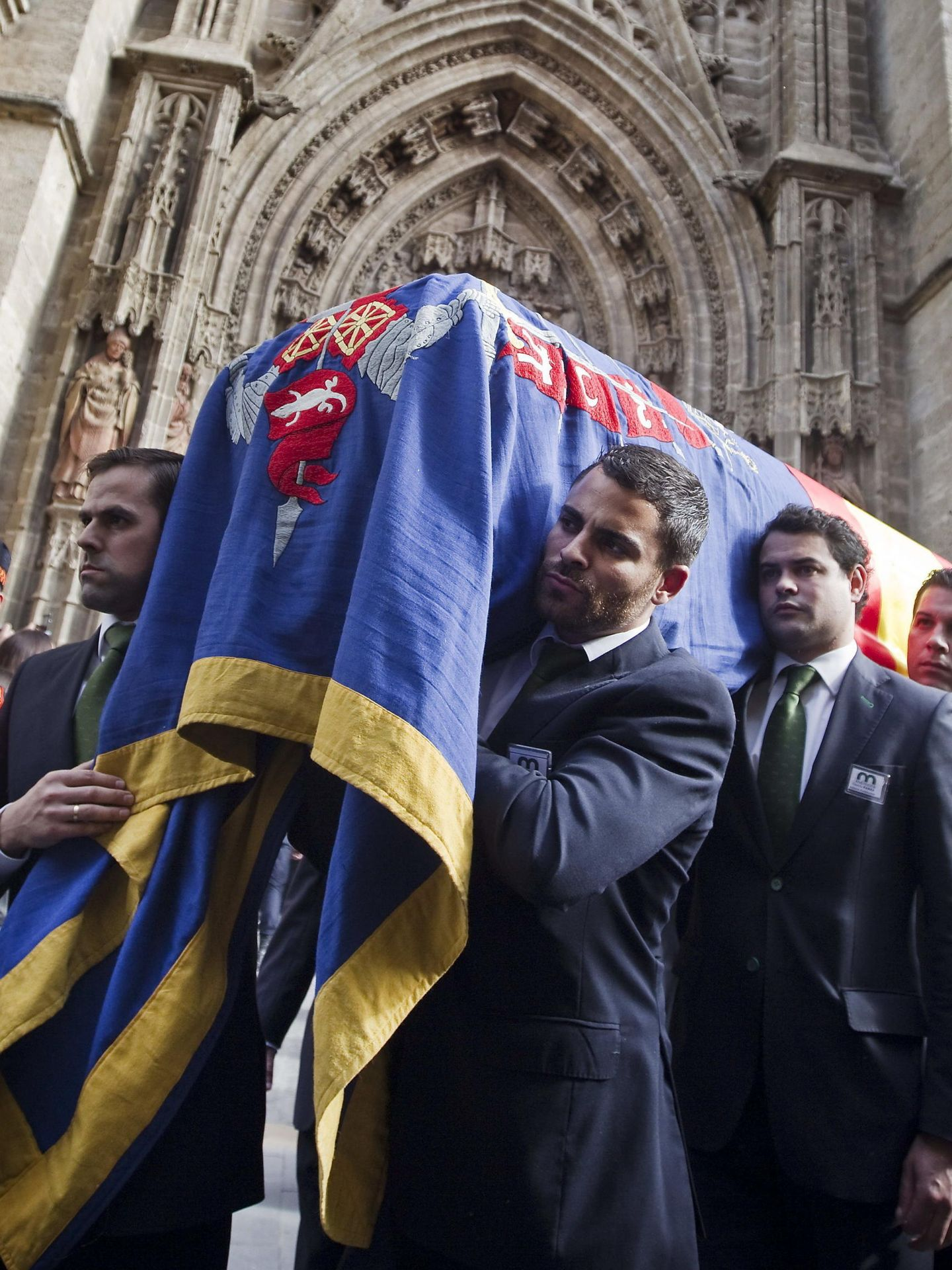 Funeral de la duquesa de Alba en la catedralde Sevilla. (EFE)
