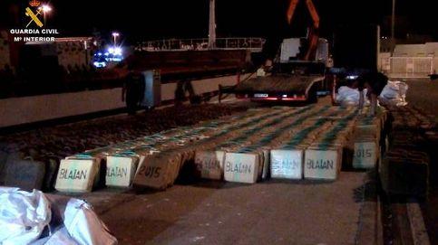 La Guardia Civil interviene 20 toneladas de hachís en un buque que iba a Libia