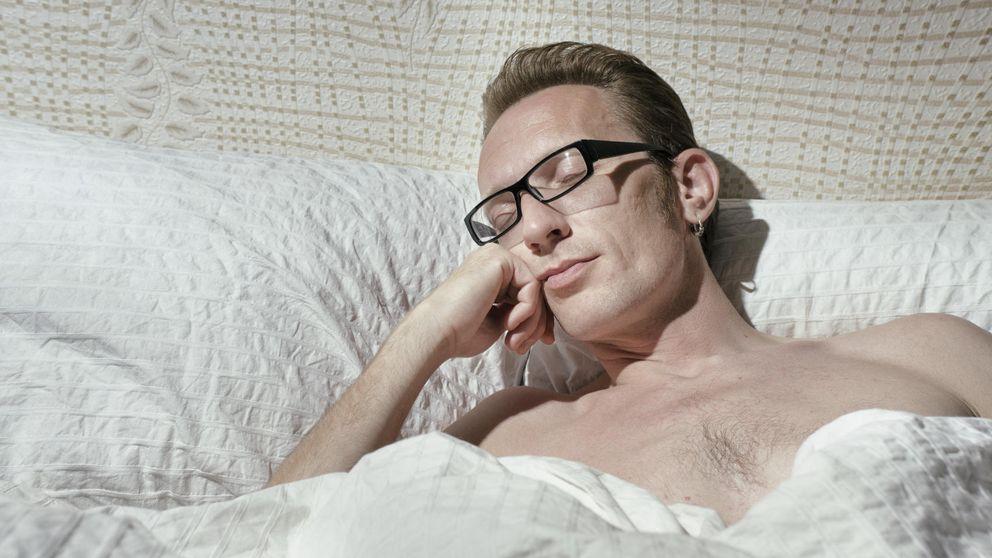 Por qué no deberíamos dormir desnudos en las camas de los hoteles