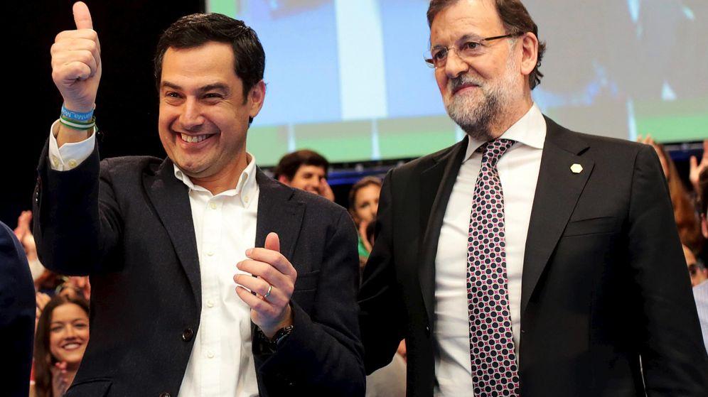 Foto:  Juan Manuel Moreno Bonilla, junto a Mariano Rajoy, en un acto electoral en Sevilla semanas antes de las andaluzas. (Reuters)