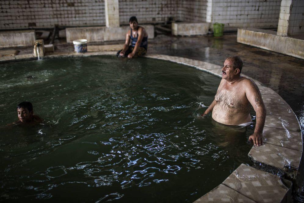 Foto: El balneario de Haman al Alil tras la expulsión del Estado Islámico. (Ethel Bonet)