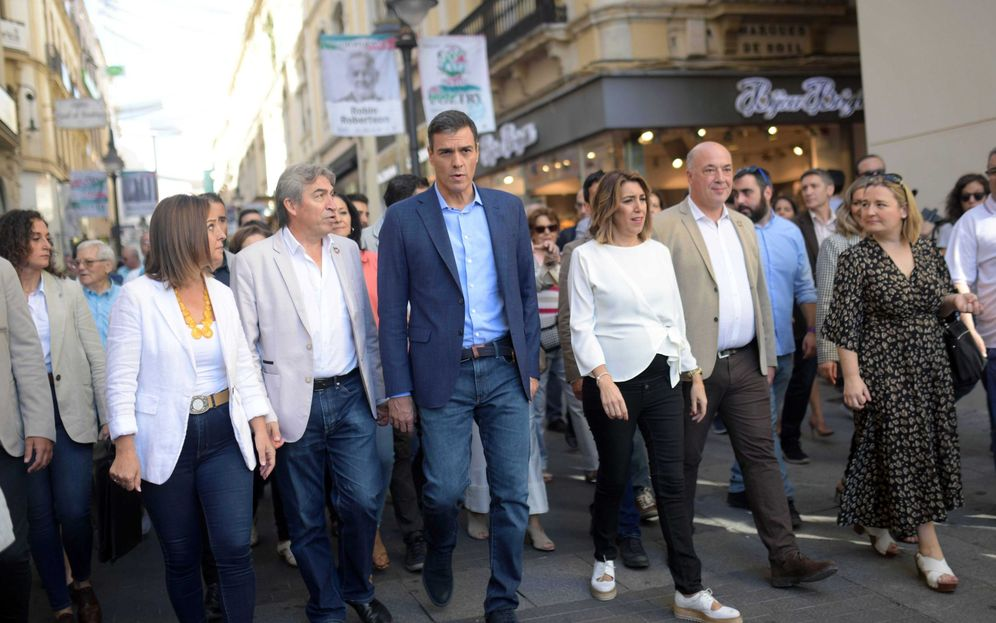 Foto: Pedro Sánchez, este 8 de octubre en Córdoba con Susana Díaz y el delegado del Gobierno en Andalucía, Lucrecio Fernández. (EFE)