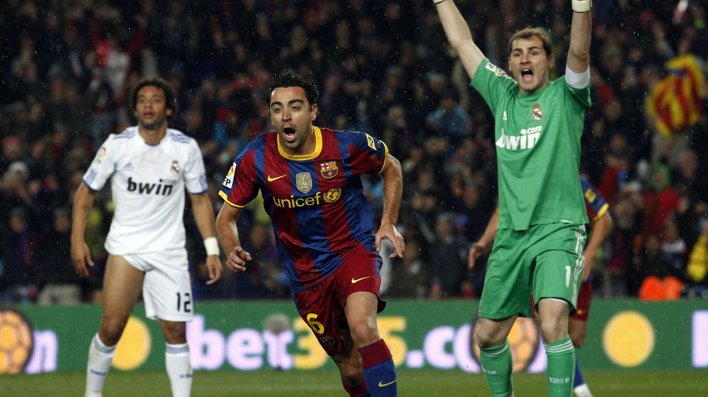 Foto: Casillas y Xavi no volverán a jugar un Clásico (Reuters).