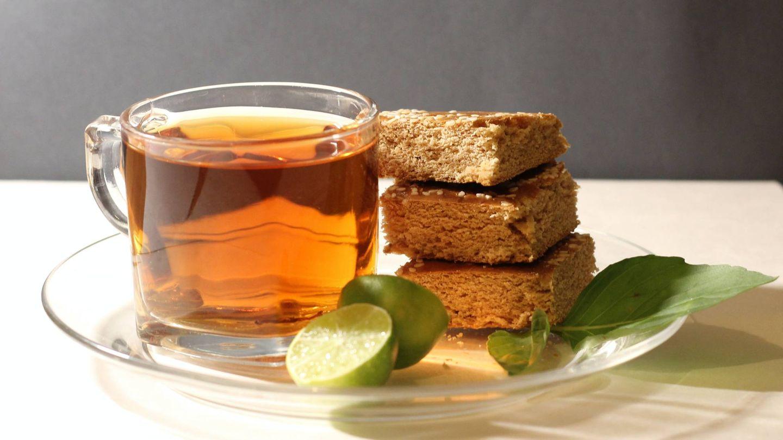 Bebe agua, infusiones, té... (Reyhaneh Mehrnejad para Unsplash)