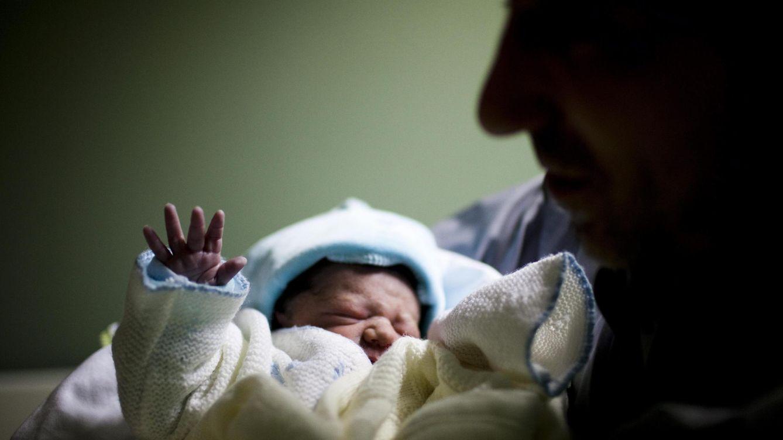Foto: Imagen de un bebé recién nacido (Efe)