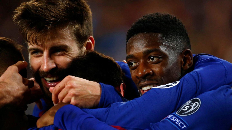 Dembélé, feliz con sus compañeros tras un gol ante el Olympique de Lyon. (EFE)