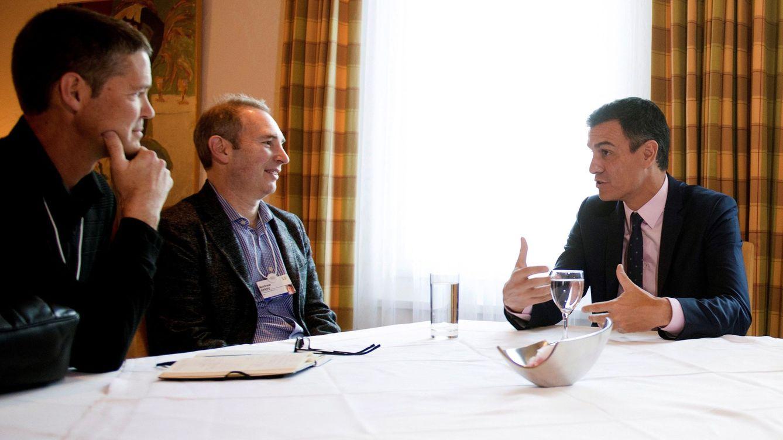 Sánchez y Amazon se ven en Davos, pero la clave es la guerra entre 2 pueblos de Aragón