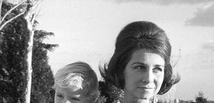 Post de Doña Sofía recibe un regalo muy especial: este álbum de fotos que nunca has visto