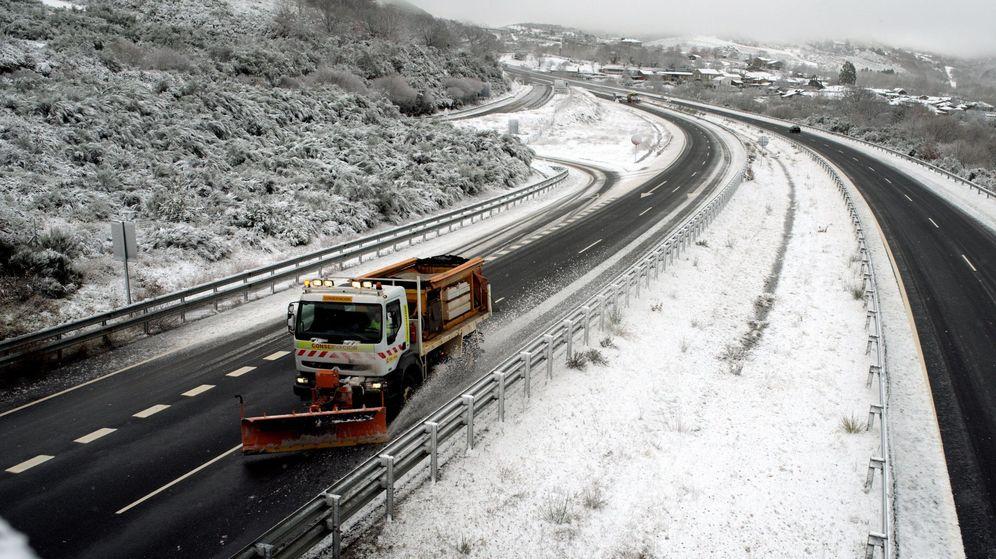 Foto: Las provincias de Ourense y Lugo amanecerán en alerta naranja por nevadas a partir de los 700/900 metros. (EFE)