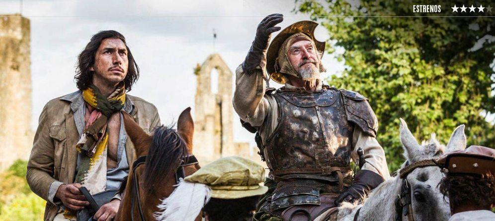 Foto: Adam Driver y Jonathan Pryce, en 'El hombre que mató a Don Quijote'. (Warner)