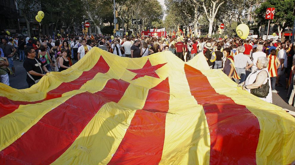 Mil empresas se fugan de Cataluña... y lo del Papa