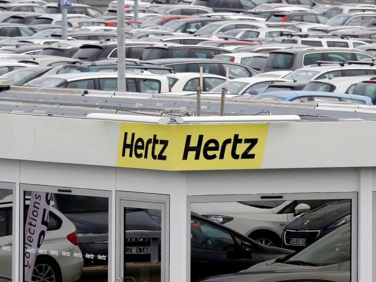 Foto: Logo de Hertz en una de los departamentos de venta de la empresa en Francia. (Reuters)
