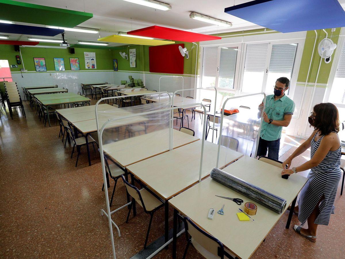 Foto: Un colegio público de la Comunidad Valenciana se prepara para el inicio de curso. (EFE)