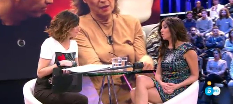 Foto: Carmen López durante su entrevista con Sandra Barneda