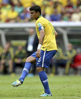 Foto: Tito Vilanova no traga con otras opciones, su central es Thiago Silva
