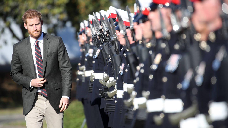 El príncipe Harry, visitando un centro de entrenamiento de la Marina real. (Getty)