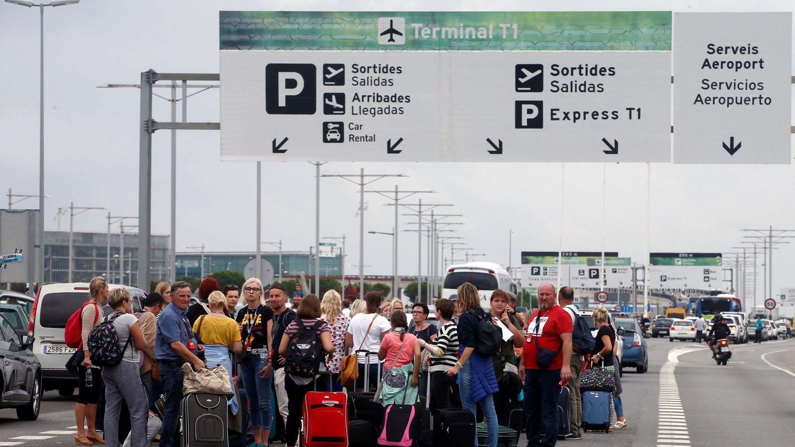 Foto: Accesos al aeropuerto Josep Tarradellas Barcelona - El Prat. (EFE)