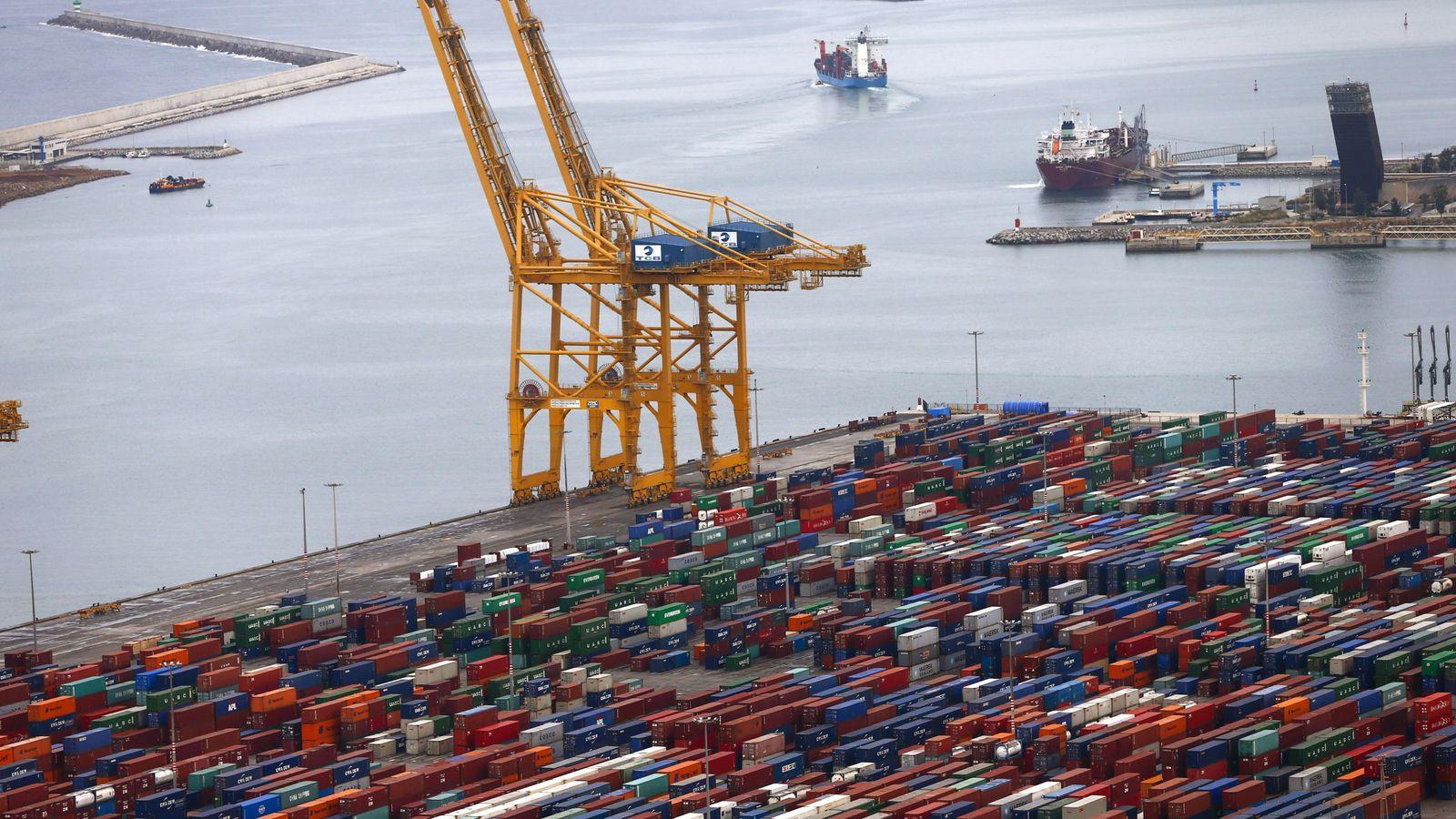 Foto: Vista del puerto de Barcelona. (EFE)