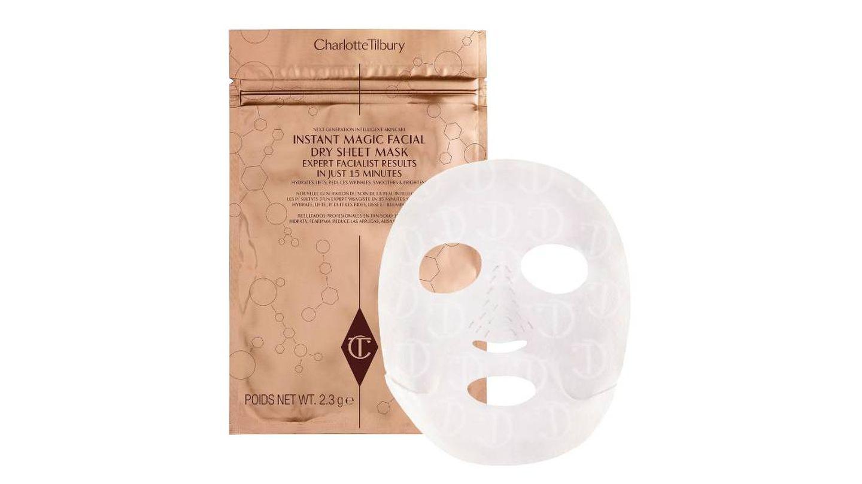Instant Magic Facial Dry Sheet Mask de Charlotte Tilbury.