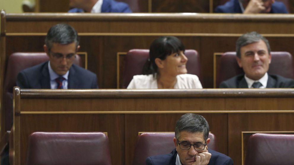 Sánchez no aparece en el pleno, el gesto de Madina y Luena agita a las bases