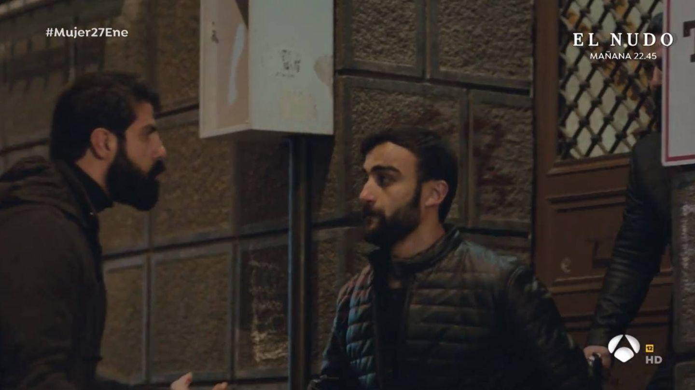 Los hombres de Nezir huyen tras haber disparado a alguien. (Atresmedia)