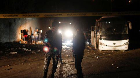 Dos muertos y 12 heridos en un atentado contra un autobús de turistas en El Cairo