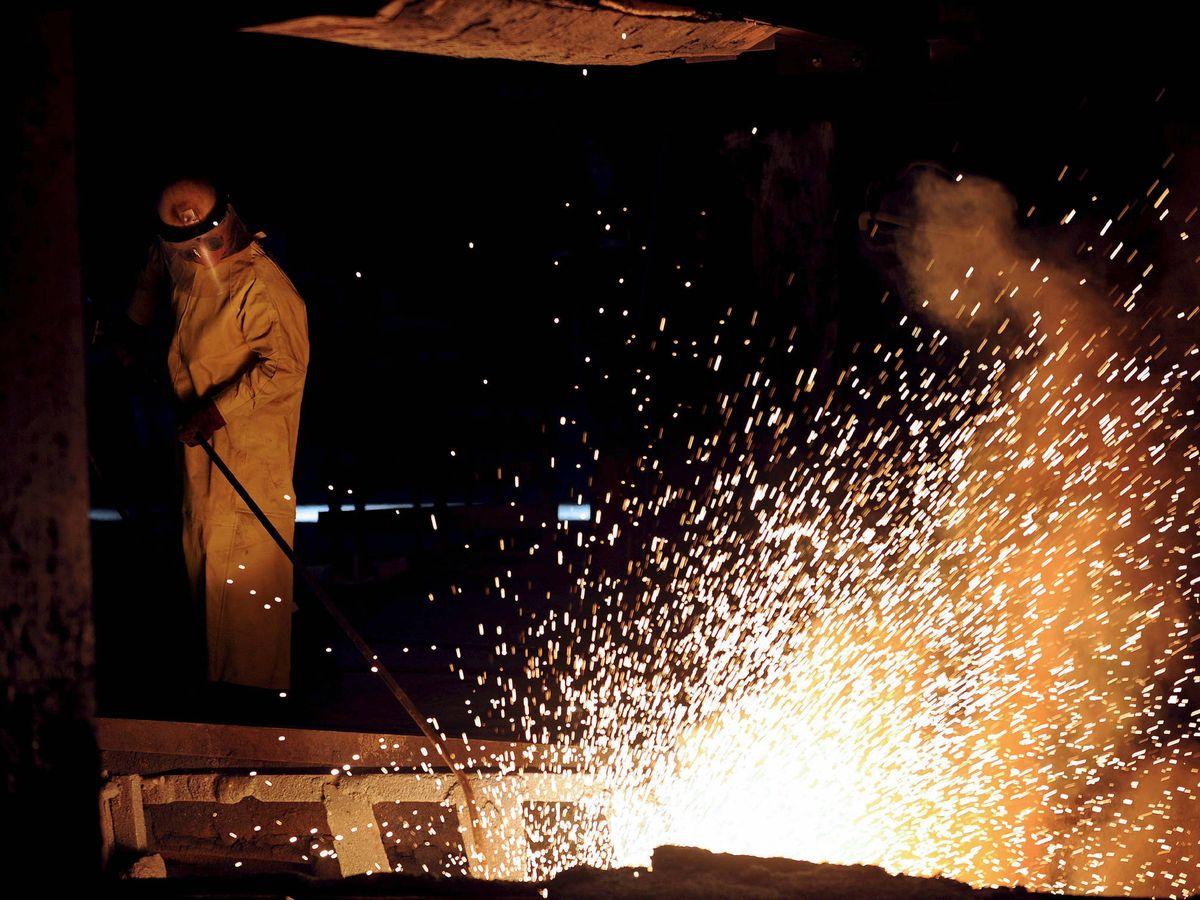 Foto: Imagen de un horno de fundición. (EFE)