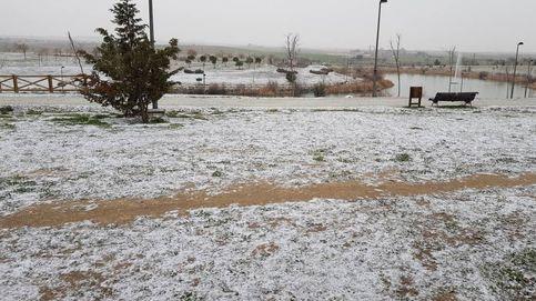 La nieva llega a Madrid: solo unos copos y con más intensidad en el sur y la sierra
