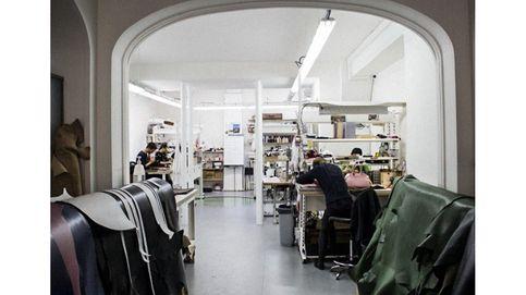 Los escondidos talleres parisinos donde se crea el lujo francés