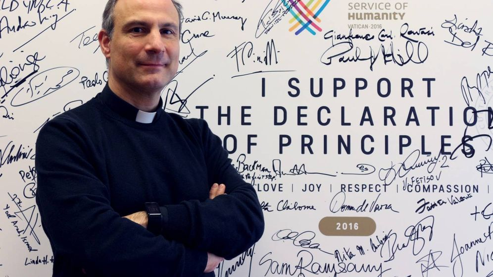 Foto: Melchor Sánchez de Toca es el sacerdote que ha puesto en marcha el club de atletismo del Vaticano. (Foto: Irene Savio)